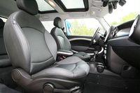 2008-Mini-Cooper-Clubman-interior